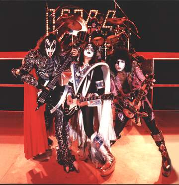 Kiss: Hotter Than Hell In Paris